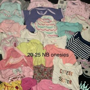 Bundle of NB baby girl clothes💕